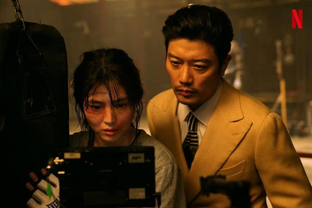 Fan nhiệt tình ship cặp đôi 'chú cháu' trong 'My Name'