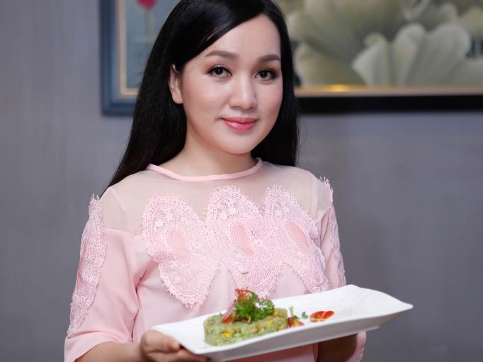 Ca sĩ Hà Vân và món cơm chiên chay