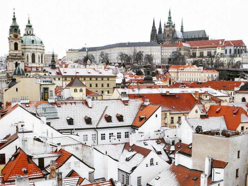 Tuyết rơi ở Praha