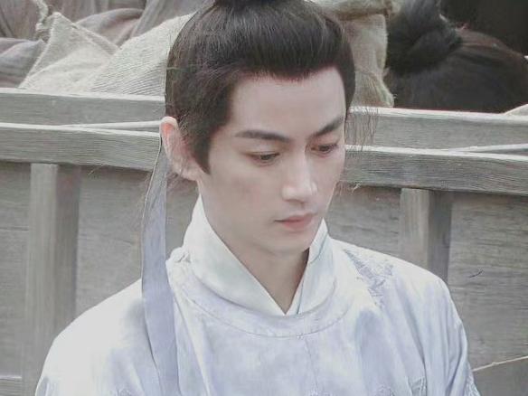 Trần Hiểu lộ tạo hình thư sinh trong phim mới 'Vân Tương Truyện', lần đầu hợp tác cùng Mao Hiểu Đồng