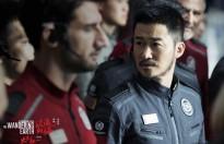 'Lưu lang địa cầu' của Ngô Kinh lội ngược dòng, thành 'ngựa ô' trên màn ảnh phim Tết Hoa ngữ