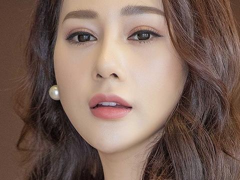 Kỳ lạ chưa, Phương Oanh của 'Hương vị tình thân' lại vắng bóng tại đề cử VTV Awards 2021