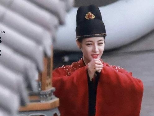 Địch Lệ Nhiệt Ba mặc quan phục trong 'An Lạc Truyện', đọ độ soái với nam chính Cung Tuấn
