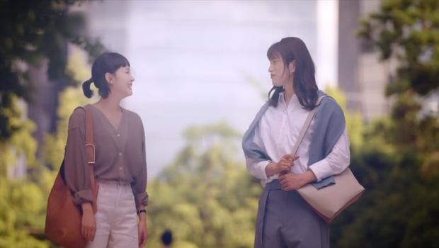 Jinyoung gây bão khi giả gái trong 'Yumi's Cells', netizen cảm thán còn xinh hơn Kim Go Eun