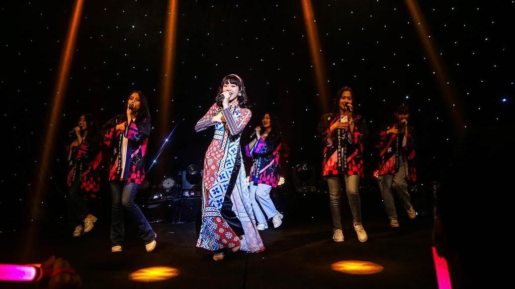 Fan cứng chi hơn cả trăm triệu đồng mua single 3 ủng hộ Ánh Sáng (SGO48)