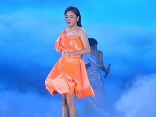 Uyên Linh - Văn Mai Hương khiến khán giả 'nổi da gà' với màn song ca 'đỉnh của chóp'
