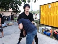 tuan tran danh 2 thang tap luyen cac pha hanh dong trong phim xin chao papa