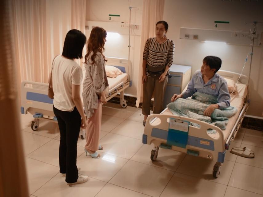 'Cây táo nở hoa' tập 51: Hạnh khóc hết nước mắt khi biết Ngọc bị ung thư, Báu nổi điên giận dữ chửi ngược chị dâu