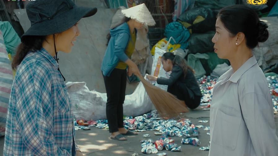 'Thương con cá rô đồng': Vừa lên Sài Gòn, sóng gió đã ập lên đầu chị em Thương