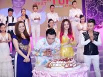 Lâm Hùng ứa nước mắt trong ngày mừng sinh nhật và ra mắt album 'khủng'