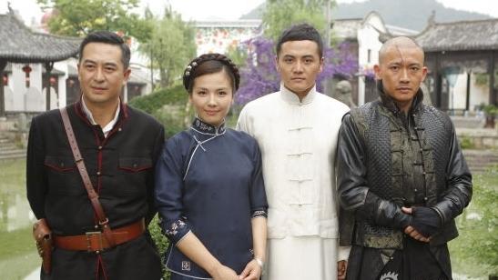 'Mỹ nhân cổ trang' Lưu Đào yêu 'Càn Long' Nhiếp Viễn trong phim hành động 'Hoa Hồng lửa'