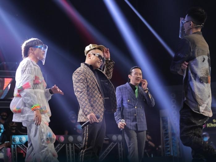 'Rap Việt: Tập 1 'nhường' tập 2 thăng hạng, cùng 'bắt tay' chiếm đỉnh top Trending Youtube