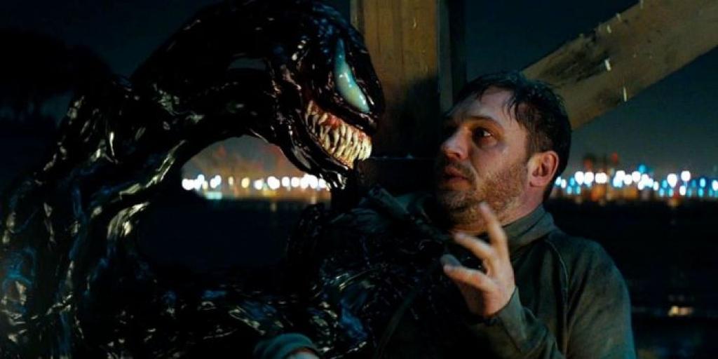 KInh hoàng trước cảnh tượng Tom Hardy bị một thực thể khống chế trong 'Venom'